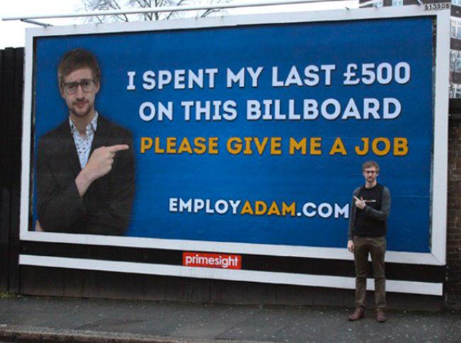 Manifesto giovane londinese Adam Pacitti per cercare lavoro